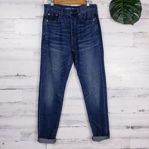 AEO Size 6 Long HiRise Girlfriend Button Fly Jean